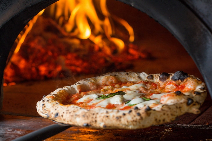 A Slice of Cleanliness: 5 Cleaning Tips for Your Pizza Oven