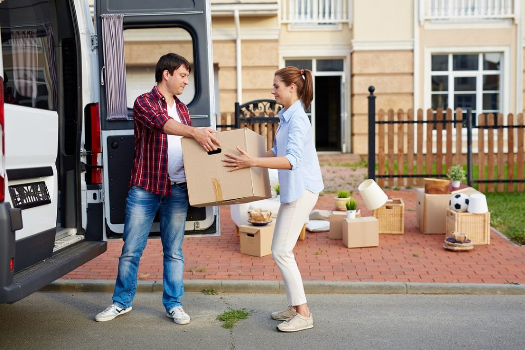A Shoestring Budget: 4 Easy Ways to Save Money While Moving