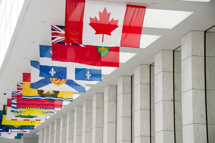 Newcomers to Canada: 5 Tips to Hiring An Immigration Lawyer