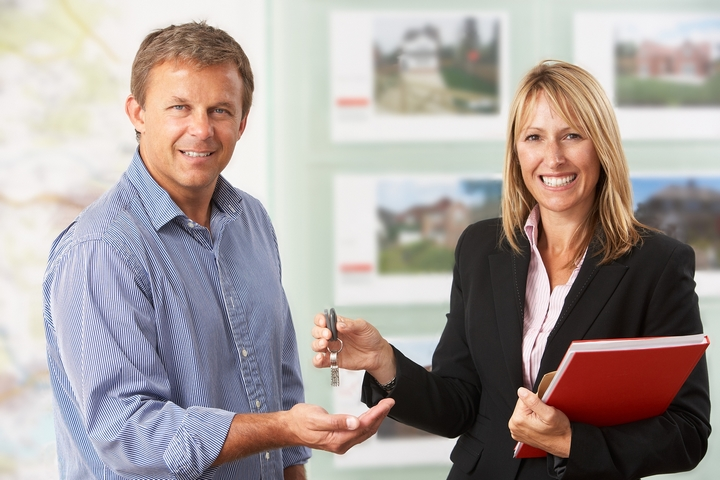 Monetary Motivation: 4 Benefits of Commissions for Real Estate Agents
