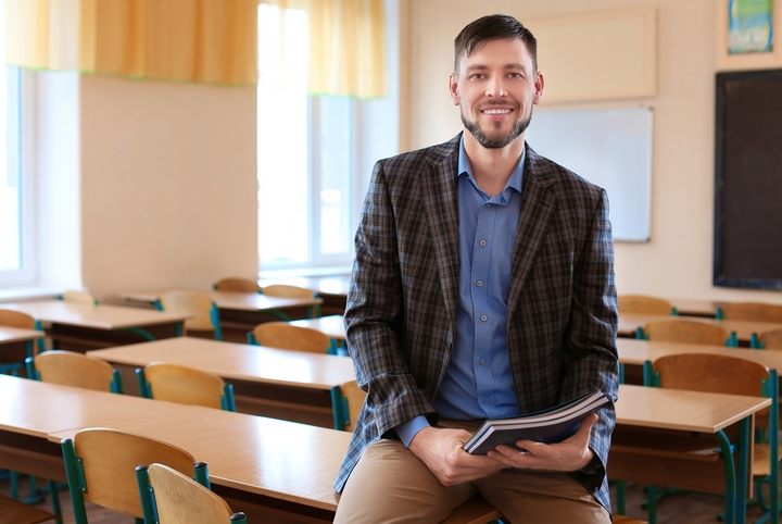 Classroom Hero: 5 Benefits of Becoming a Teacher