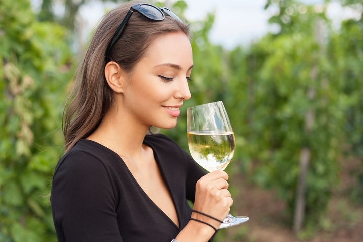 Savoury Taste: 5 Beginner Tips for Choosing & Tasting Wine