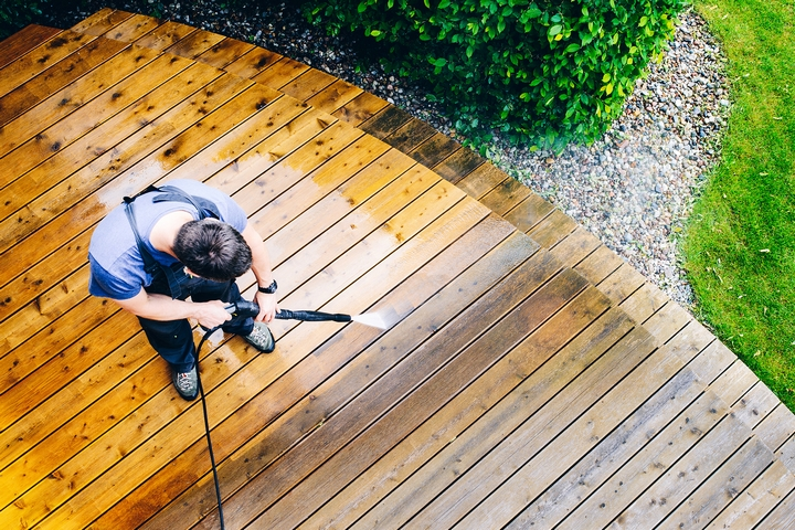 How to Clean Decking in Your Home: 10 Cleaning Tips