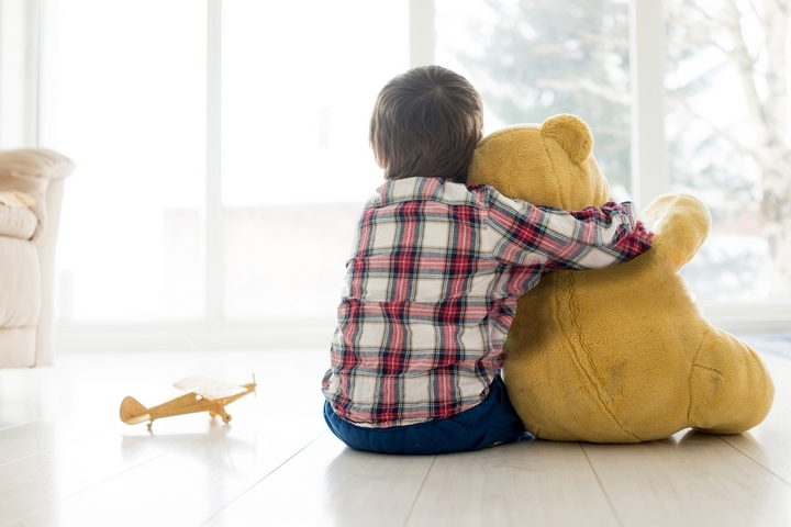 9 Safety Guidelines for Leaving Child Home Alone